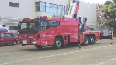 11.12.26消防はしご車①.jpg
